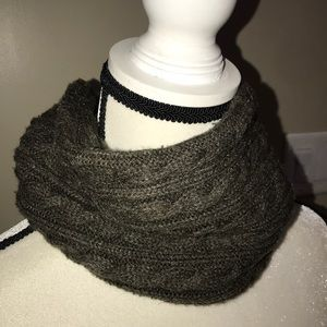 Zara accessories green knitted infinity neck scarf